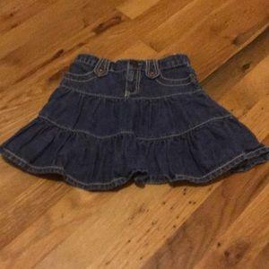 Gap adjustable waist skirt